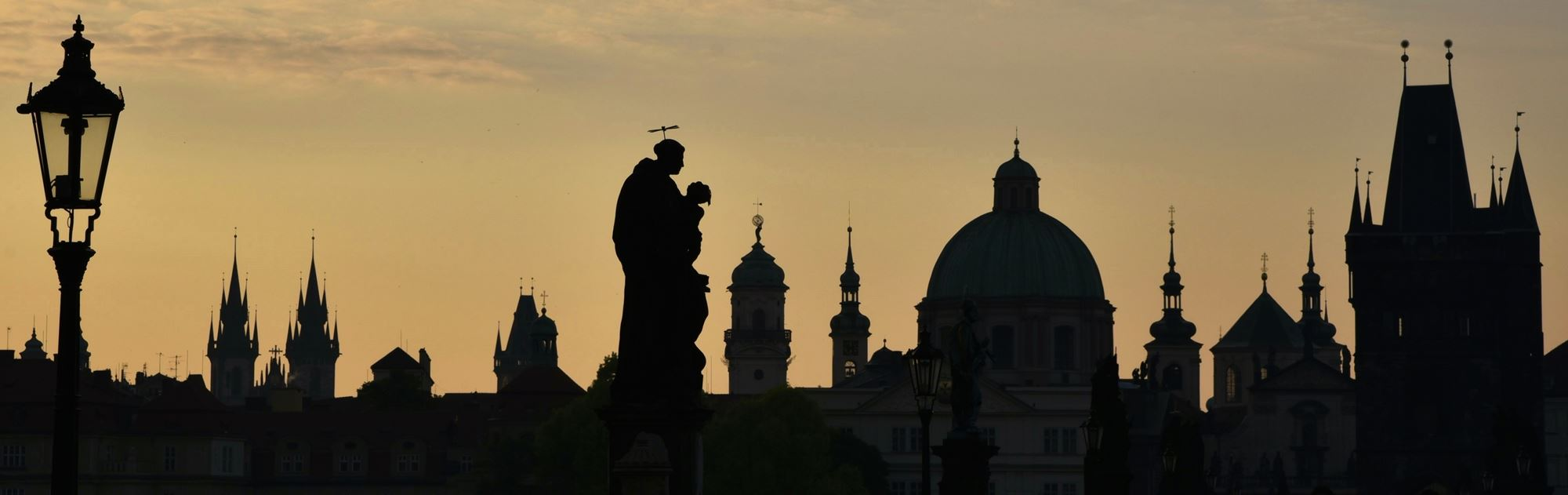 """RÉPUBLIQUE TCHÈQUE - Prague, surnommée """"la ville aux cent clochers"""""""