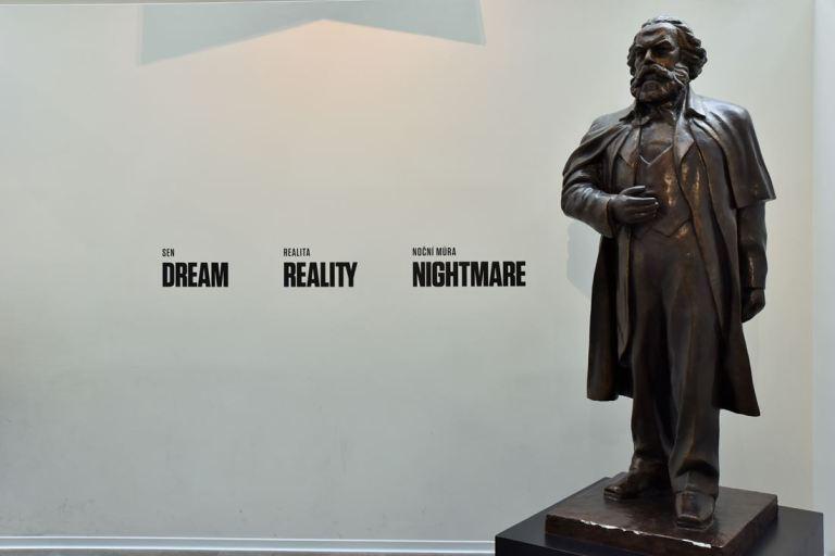 """Karl Marx et son idéologie vue par les Tchèques : """"Rêve Réalité Cauchemar""""..."""
